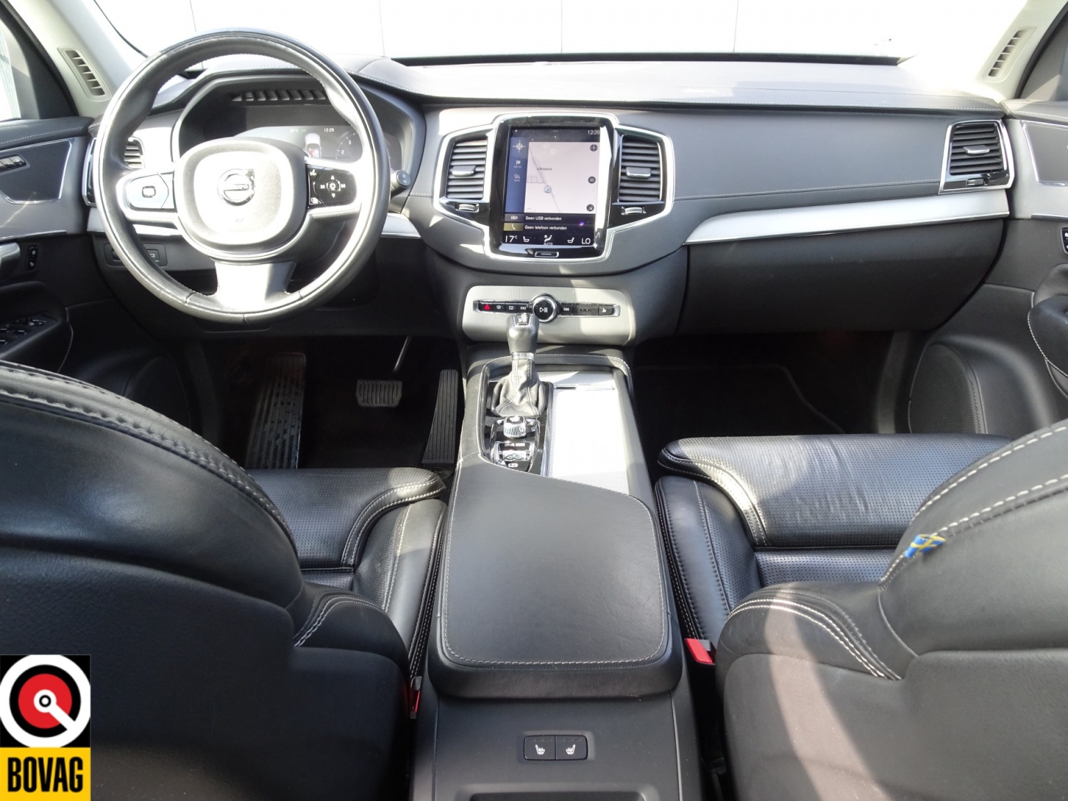 Volvo-XC90-25