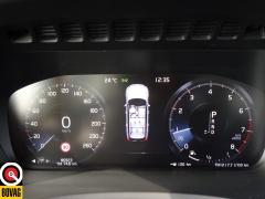 Volvo-XC90-43