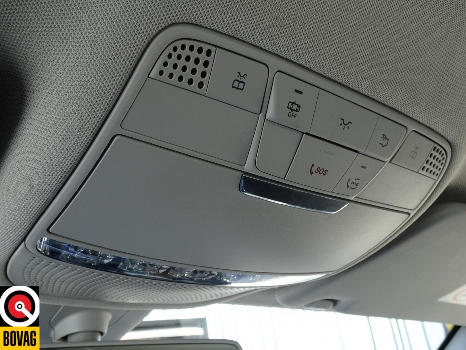 Mercedes-Benz-C-Klasse-36