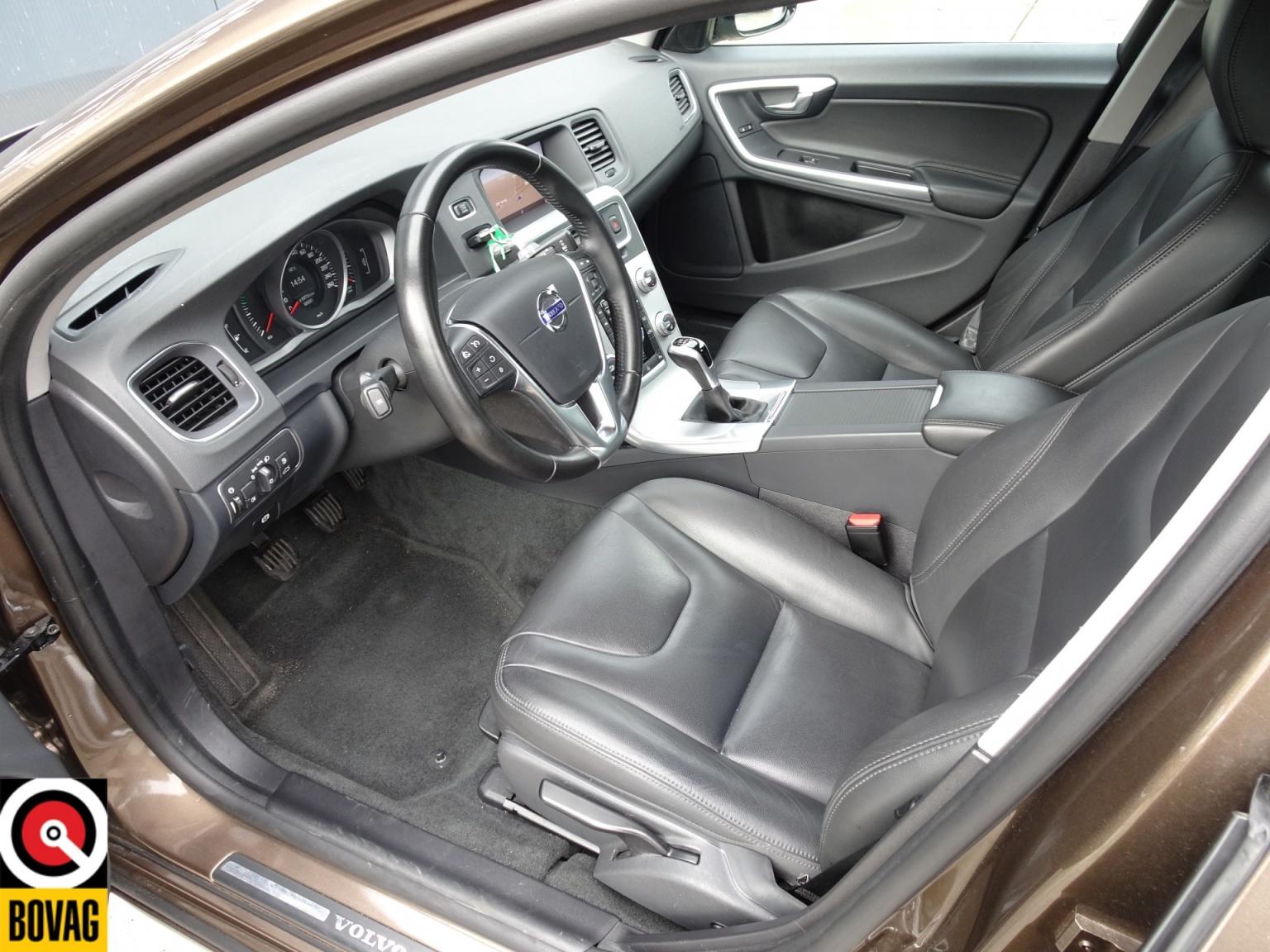 Volvo-V60-20