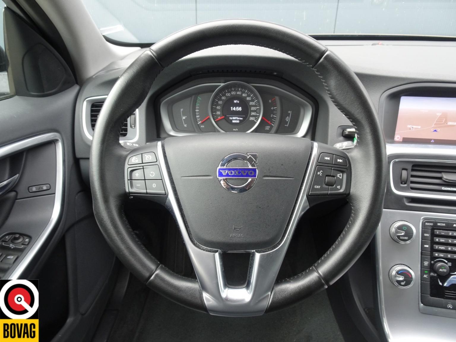 Volvo-V60-26
