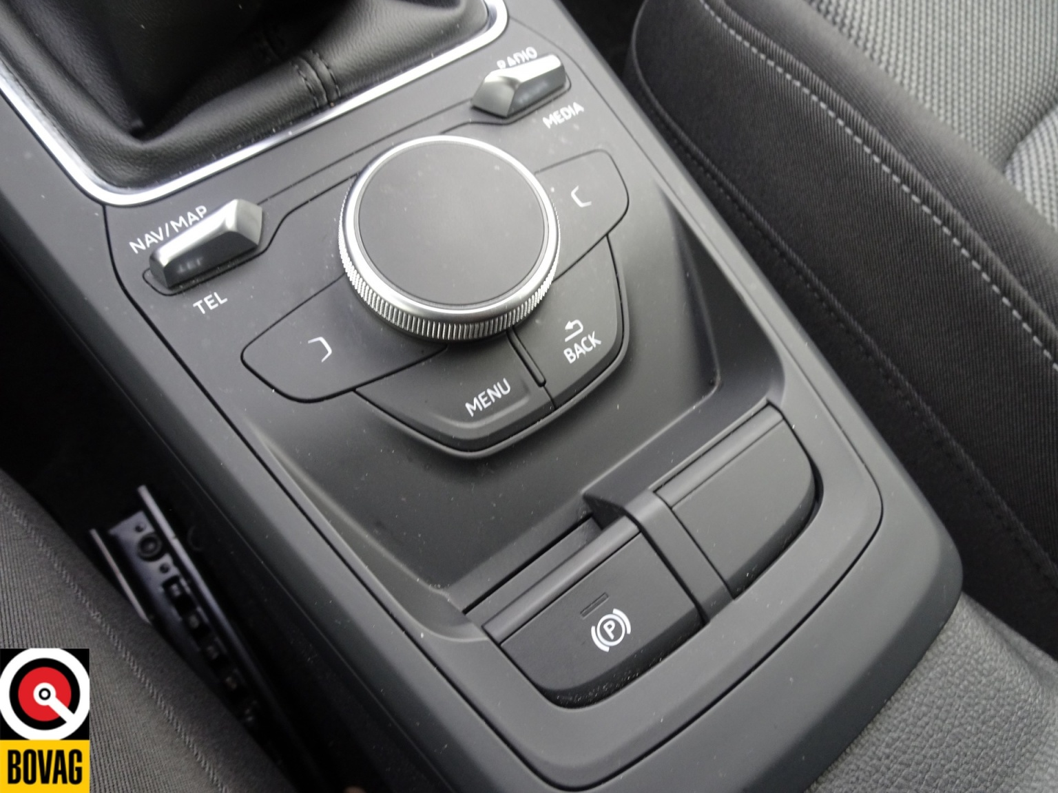 Audi-Q2-32