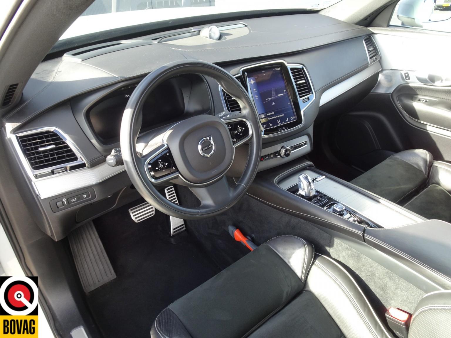 Volvo-XC90-56