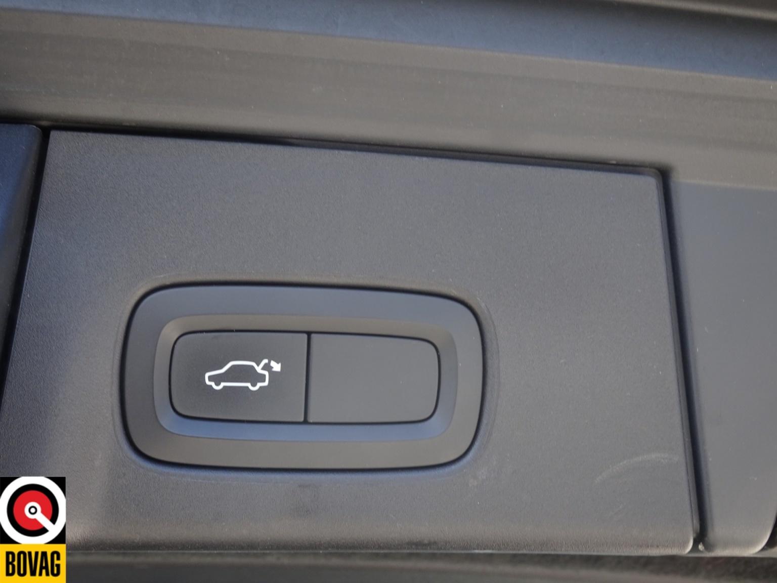 Volvo-V90-11